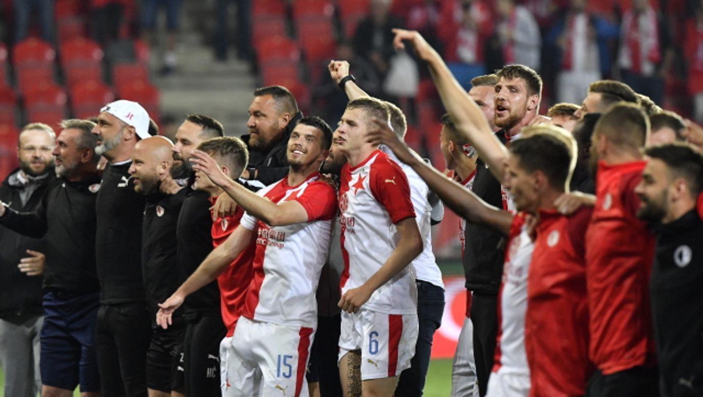 SK Slavia Praha, vítěz, první liga obhajoba, titul, radost, emoce, fotbalista, sportovec,---SK Slavia Prague Praha won Czech League, winner 2020, soccer players
