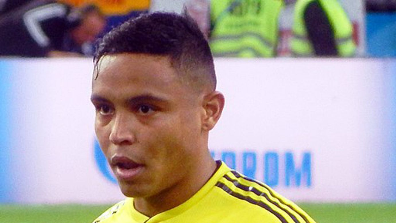 512px-FWC_2018_-_Round_of_16_-_COL_v_ENG_-_Luis_Muriel