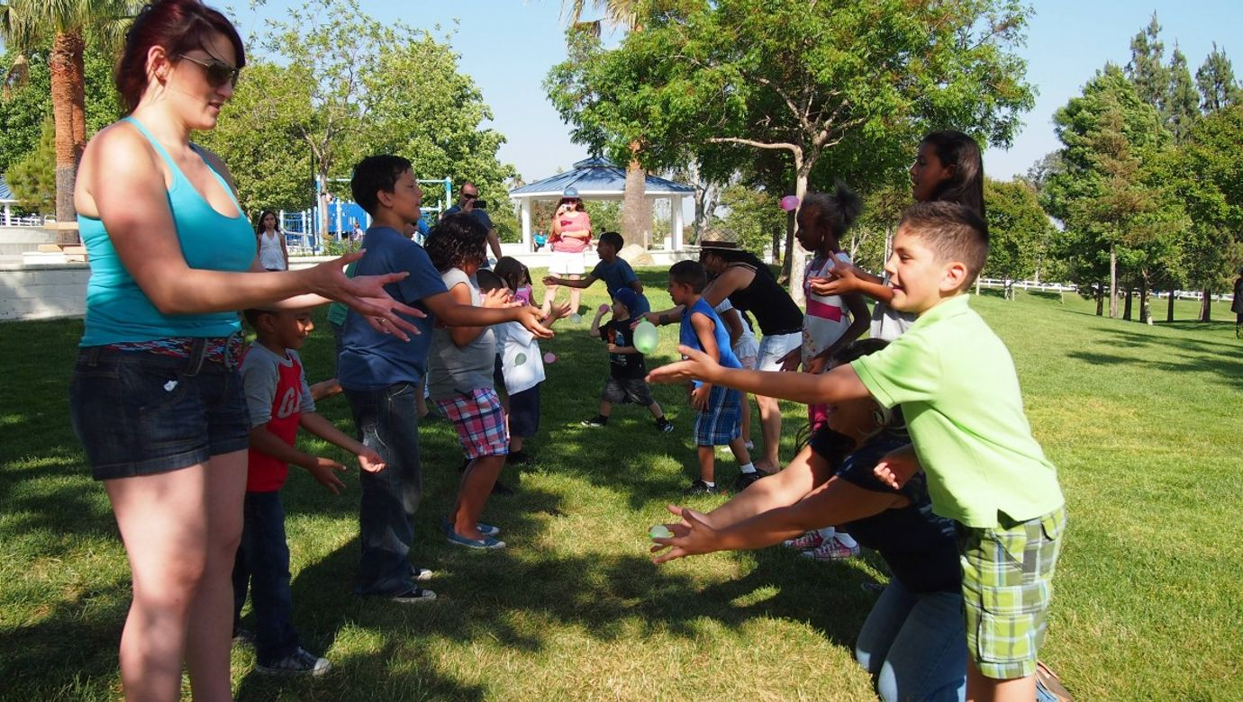 jehovah_wintess_daycreek_picnic_congregation_people_family_kidsplay-385973.jpg!d
