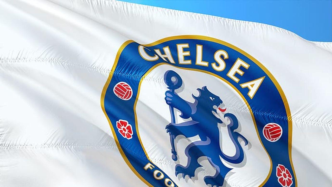chelsea-football-club-flag-during-daytime