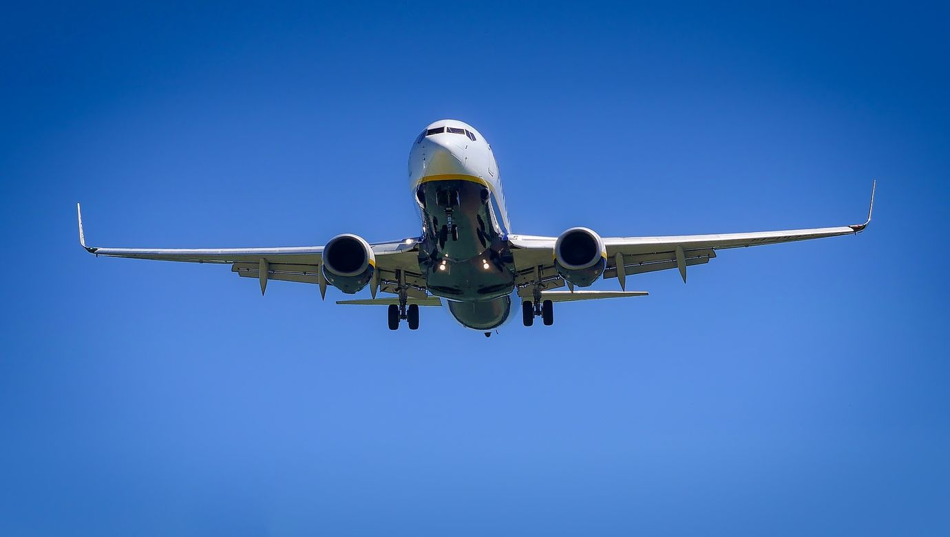 plane-3075056_1920.jpg