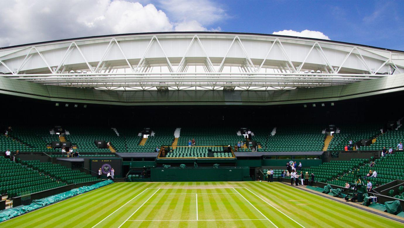 Centrální travnatý kurt ve Wimbledonu.