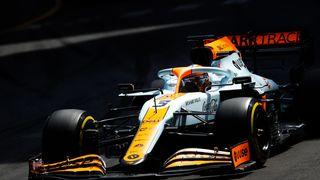 Nevýrazný začátek Daniela Ricciarda u McLarenu. Kde je chyba?