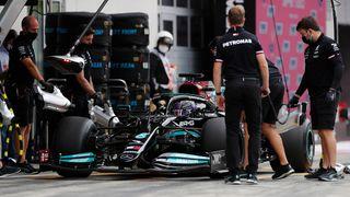 Tréninky na Velkou cenu Rakouska: Verstappen vs. Hamilton 1:1