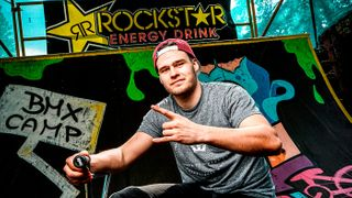 Biker Martin Mašek: Bez chráničů a helmy bych na kolo nesedl