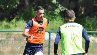 V bulharské lize nastoupil hráč s koronavirem. Nakazil 20 lidí