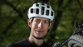 Čeští bikeři skončili na Swiss Epic třetí. Nemůžeme být nenažraní, řekl Hynek
