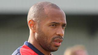 Zachrání potupenou Barcelonu nový trenér? Adeptů je dost