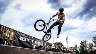 VIDEO: BikeFight 2020 naplnil Dobříš adrenalinem