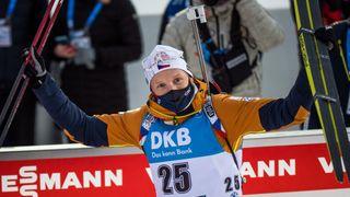 Biatlon je zpět. Moravec pátý, norské překvapení a těsné vítězství Wiererové