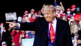 Zničila Trumpovi plakáty. Z vazby jí dostala hvězda NBA
