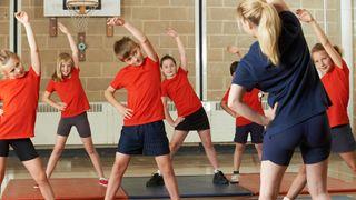 Experti varují: Povolte dětem sport!