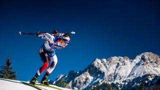 Biatlon se letos loučí, je tu první masák sezony. Na startu čtyři Češi