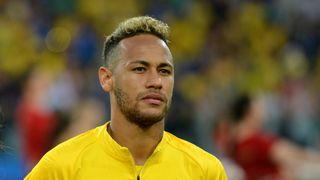 Neymar hodně přestřelil. Chtěl pořádat mejdan pro 500 lidí!
