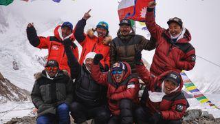 Poslední horolezecká výzva. Nepálci zdolali zimní K2