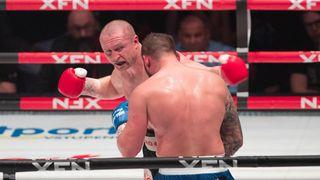 Konečný zachraňuje box. Vrátí se do ringu
