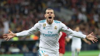 Na sociálních sítích Gareth Bale tvrdě trénuje. Ve skutečnosti je zraněný a nehraje