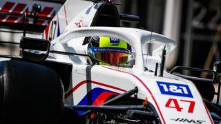 Mick Schumacher se poprvé pořádně projel ve svém Haasu