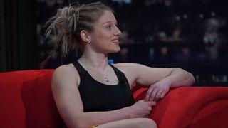 Krásná zápasnice u Krause léčila Boba Klepla. Doporučila mu pořádně vyprášit pytel