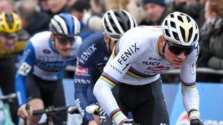 Van Aert versus Van der Poel. Rivalita, která cyklistice chyběla