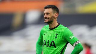 Není žádná rozleskávačka, zastal se trenéra kapitán Tottenhamu