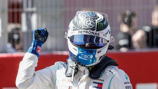 Bottas vyfoukl Hamiltonovi pole position o sedm tisícin sekundy!