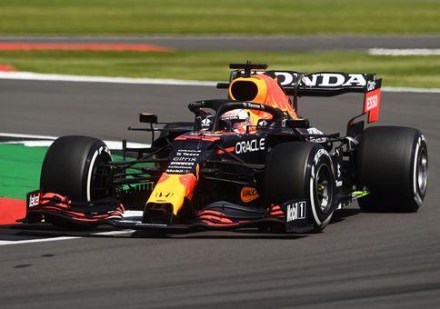 Škoda za 39 milionů! Red Bull chce dodatečně potrestat Hamiltona