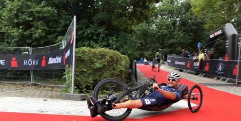 Honza Tománek je Ironman. Trať v Klagenfurtu zvládl pod jedenáct hodin