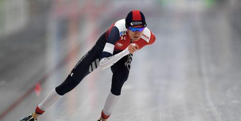Martina Sáblíková v bublině a fotbal na ledu. I takové je víkendové menu