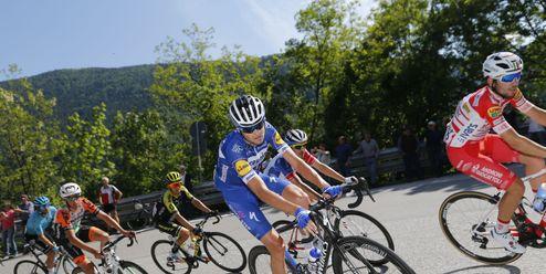 Šéf týmu BikeExchange byl vyloučen z Gira. Srazil autem závodníka