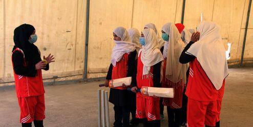 Afghánské kriketistky se v Kábulu skrývají před Tálibánem