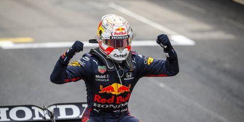 Verstappen vpředposledním kole získal vítězství pro sebe