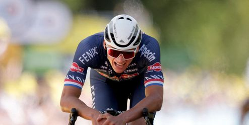Organizátoři Tour chtějí potrestat fanynku a ve žlutém je Van der Poel