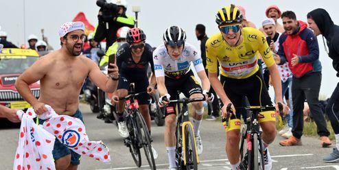 Útok! Tadej Pogačar vyhrál pyrenejskou etapu a ubránil žlutý dres