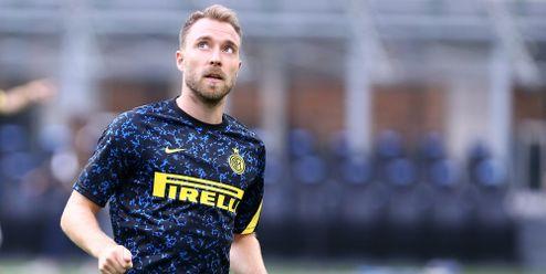 Christian Eriksen se poprvé od srdečního kolapsu objevil v Interu Milán