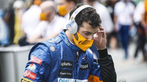 Ricciardo v roli zelenáče. Znovu se učí řídit