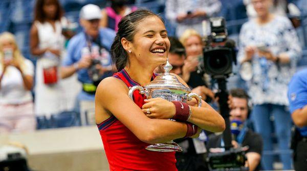 Sledování US Open mě stresuje, přiznala Emma Raducanuová