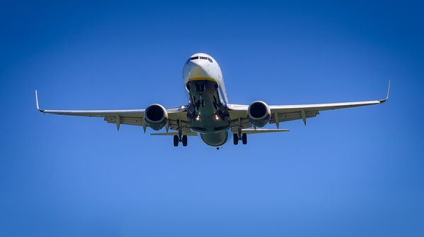 Drama na palubě. Letadlo s německými fotbalisty muselo nouzově přistát v Edinburgu
