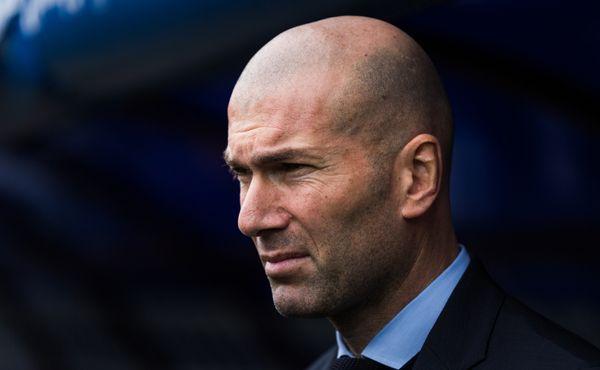 Odcházím. Neodcházím. Ale jo, odcházím. Zidane definitivně skončil na lavičce Realu
