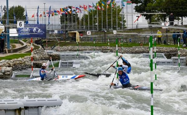 Český tým slalomářů a sjezdařů slaví na šampionátu první medaile