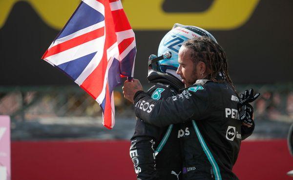 """Hamilton dodatečně trestán nebude. """"Udělal bych to znovu,"""" vrací se ke kolizi s Verstappenem"""