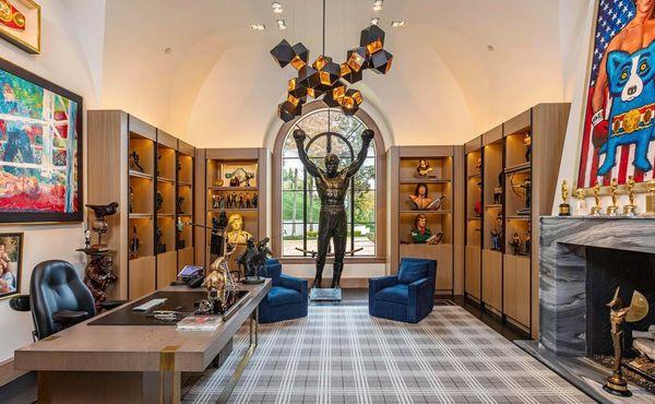 Dvě miliardy za nemovitost. Sylvester Stallone prodává svůj oblíbený dům