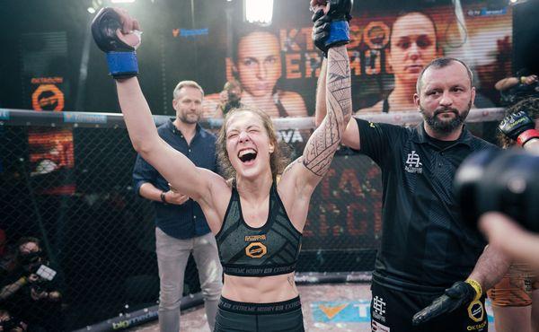V Oktagonu se plnily sny: Amatérka porazila veteránku UFC