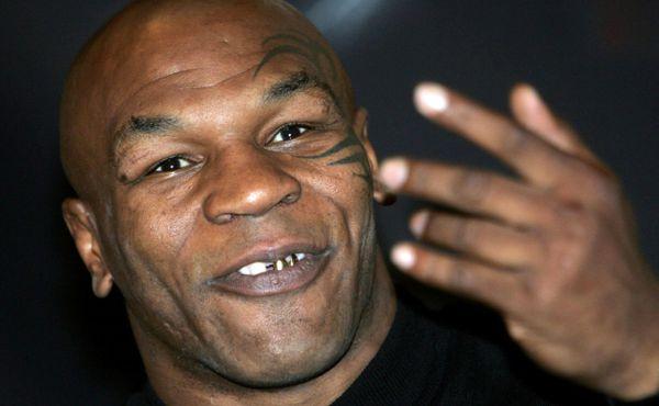 Mike Tyson přiznal, že byl od dvanácti let třikrát denně hypnotizován