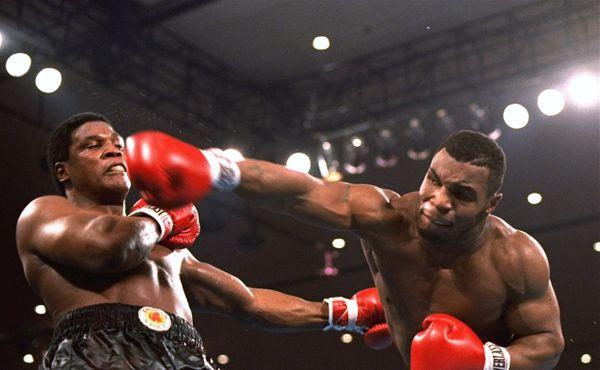Napodobí Mike Tyson zmrtvýchvstání Rockyho, nebo totálně propadne?