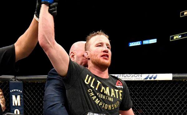 UFC je zpátky: Diváci na místě chyběli, u počítačů jich bylo rekordně