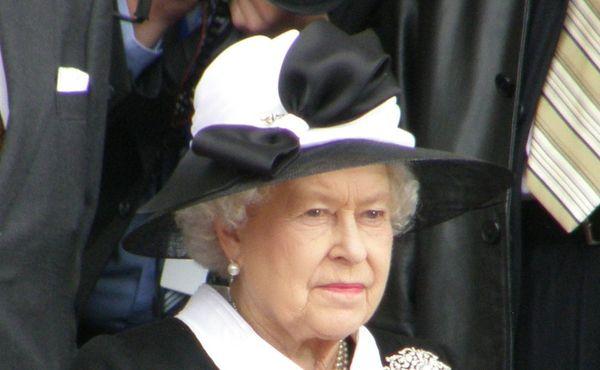 Britská královna kvůli epidemii poprvé vynechá dostihy v Ascotu