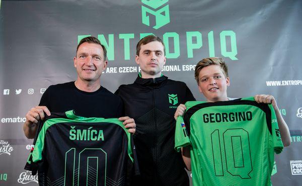 VIDEO: Vladimír Šmicer investuje do esportu. V týmu se potká se svým synem