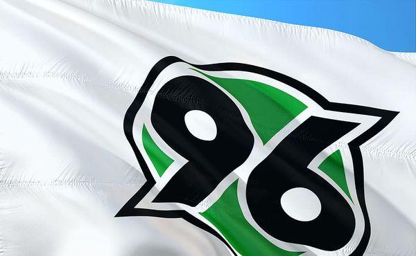 Hannover vyřadil z kádru pět hráčů za jízdu autem bez roušek