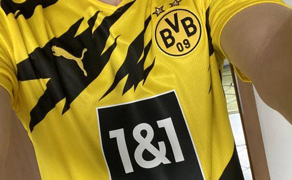 Sponzor Dortmundu musel kvůli rivalitě s Schalke přebarvit logo